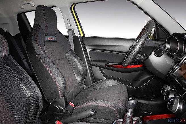 La Suzuki Swift Sport ha interni con dettagli sportivi